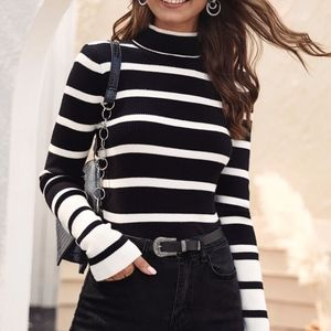Sweaters - LIZZIE Color Block Knit Sweater